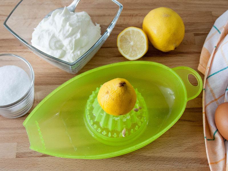 Wahlweise mit frischer Zitrone oder Zitronensaft aus der Flasche