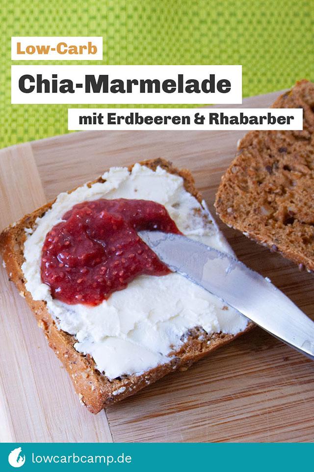 Low-Carb Marmelade mit Chia Samen, Erdbeeren und Rhabarber