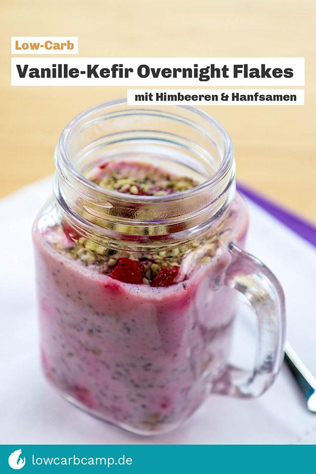 Vanille-Kefir Overnight Flakes mit Himbeeren & Hanfsamen