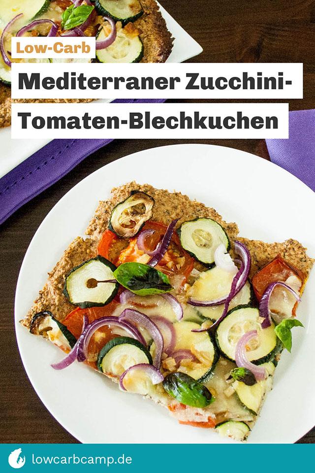 Mediterraner Zucchini-Tomaten-Blechkuchen