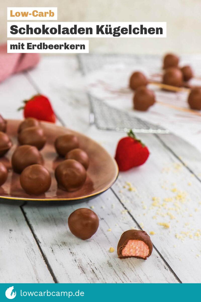Schokoladen-Kügelchen mit Erdbeerkern